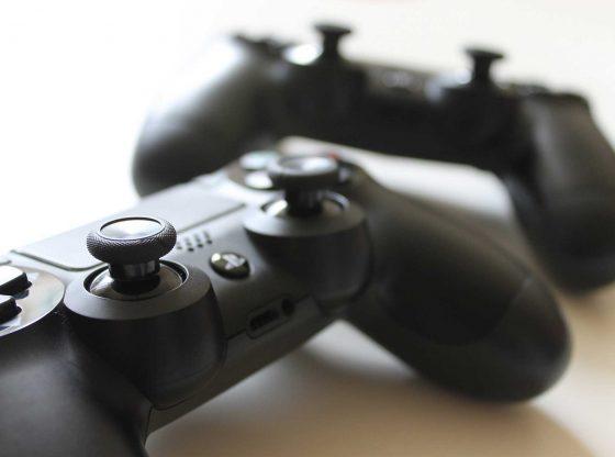 2 PS4 Controller